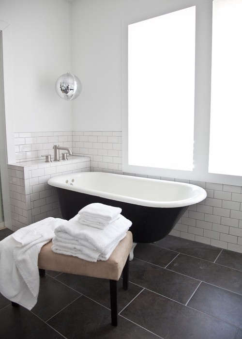 black-white-bath-design-sponge-1