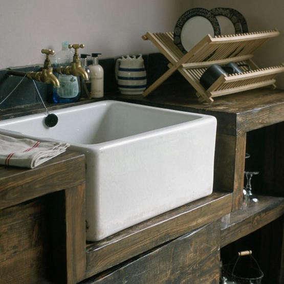 ceramic-farm-sink-wood-counter