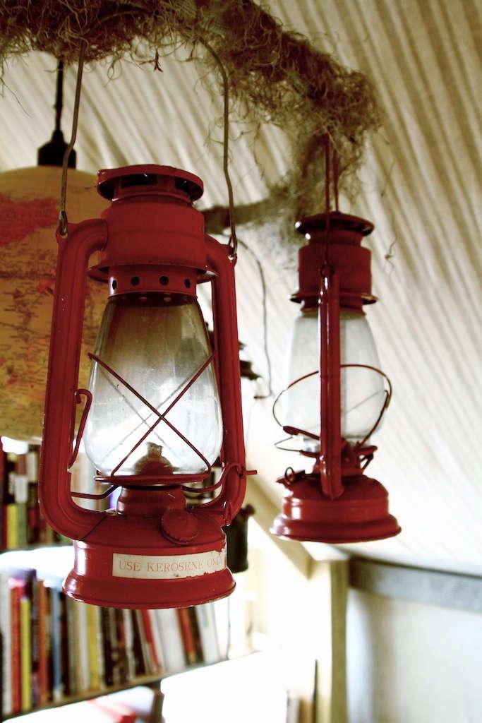 silkstone-red-hanging-lantern