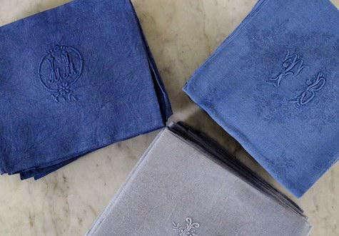 vintage-linen-napkins-blue