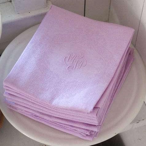vintage-linen-napkins-pink