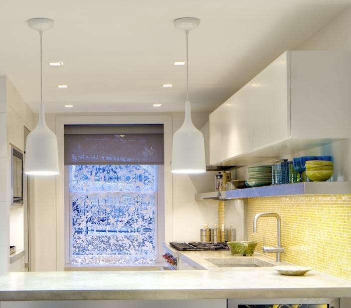 700_acourt-kitchen-window-stove-detail