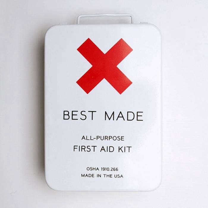 700_best-made-first-aid-kit-exterior