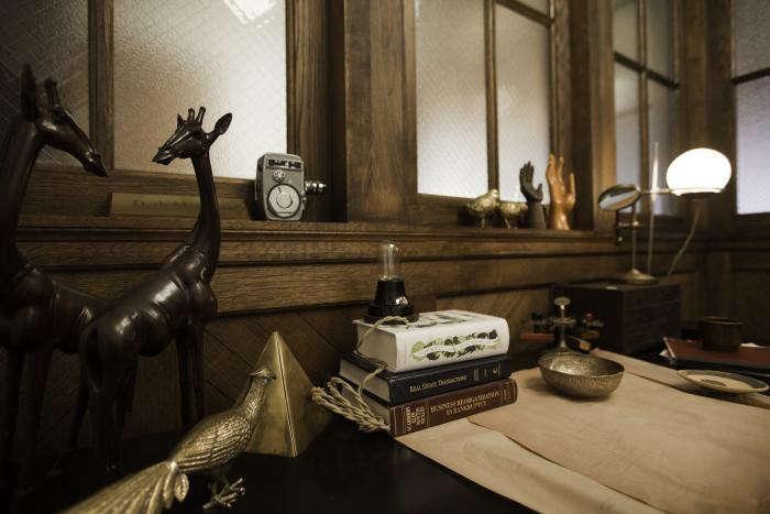 700_cassowary-desk-detail