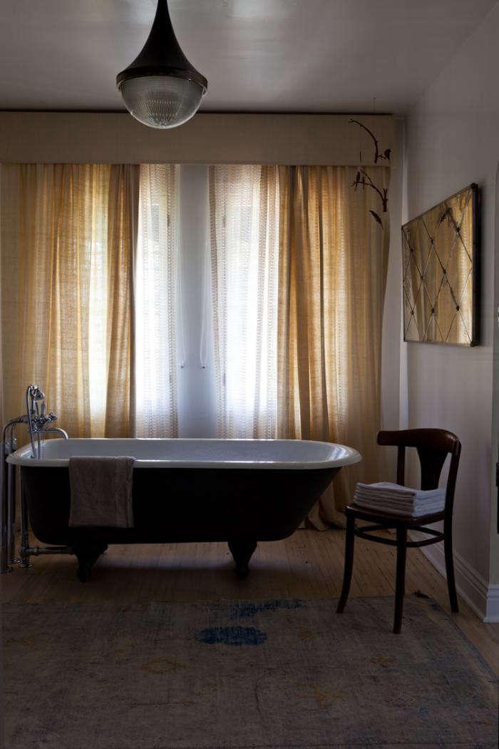 700_estee-stanley-bath