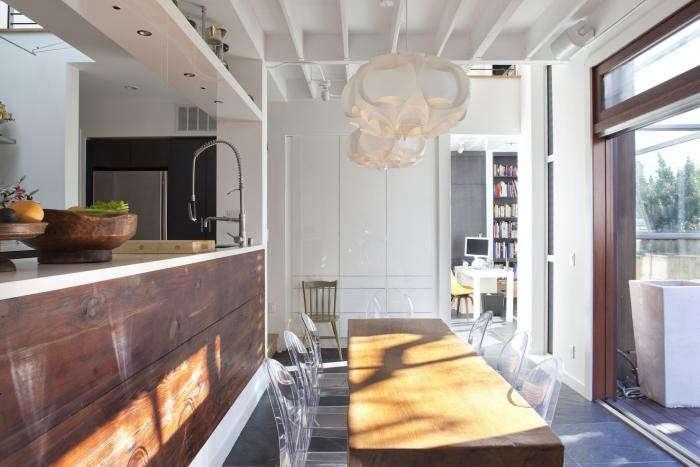 700_feldman-dining-in-sun