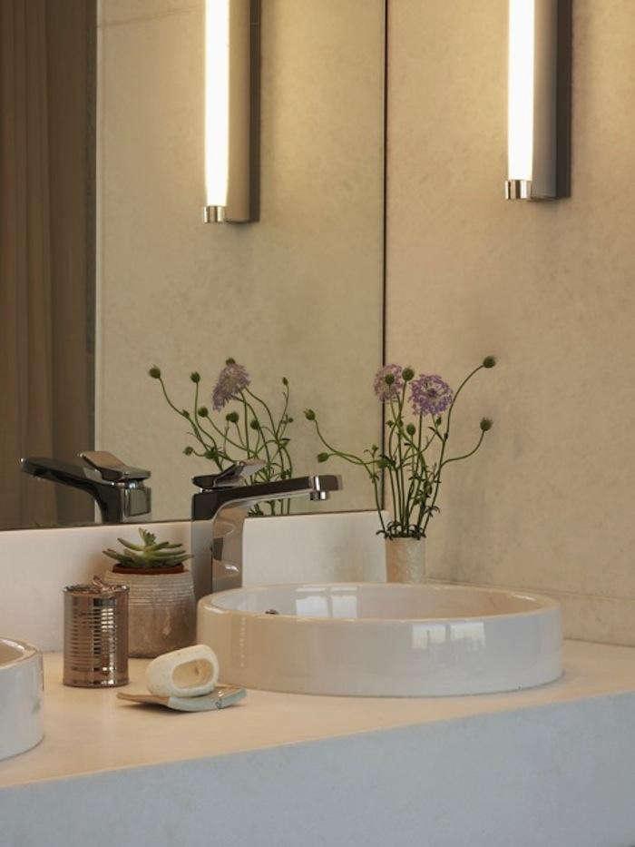 700_james-bathroom
