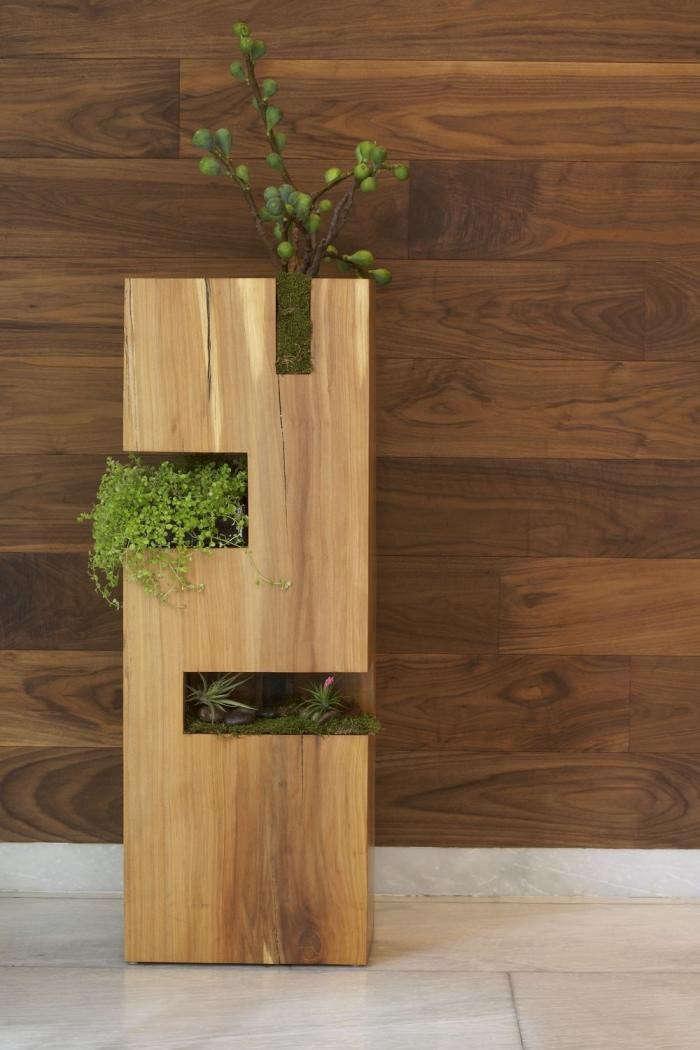 700_james-planter-outdoors