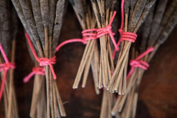 700_jm-dry-goods-incense