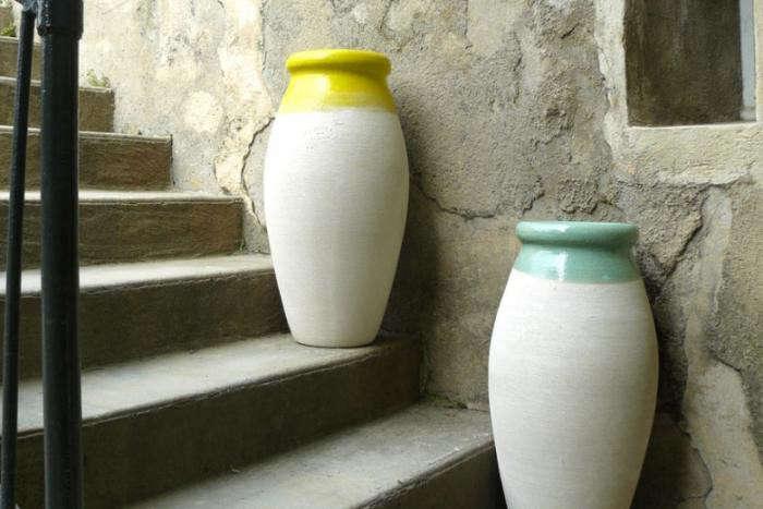 700_poterie-ravel-olive-jars