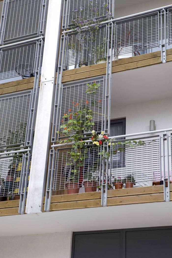 700_railings
