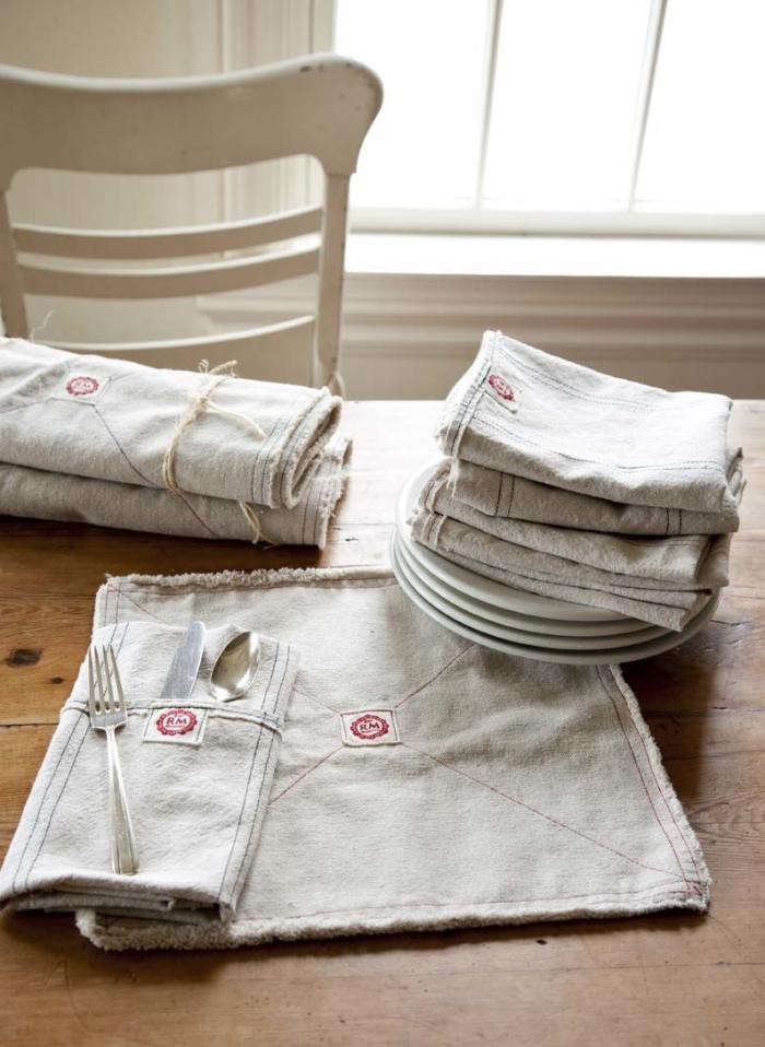700_raw-linens-napkins-placemat