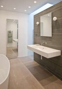 Rundell-Associates-Notting-Hill-mews-house-living-with-art-bathroom