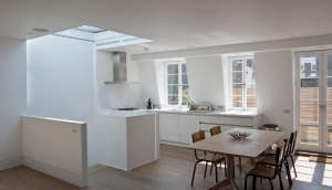 Rundell-Associates-Notting-Hill-mews-house-living-with-art