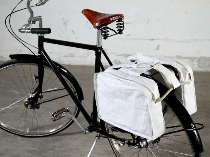 700_save-the-c-bicycle-bag-1