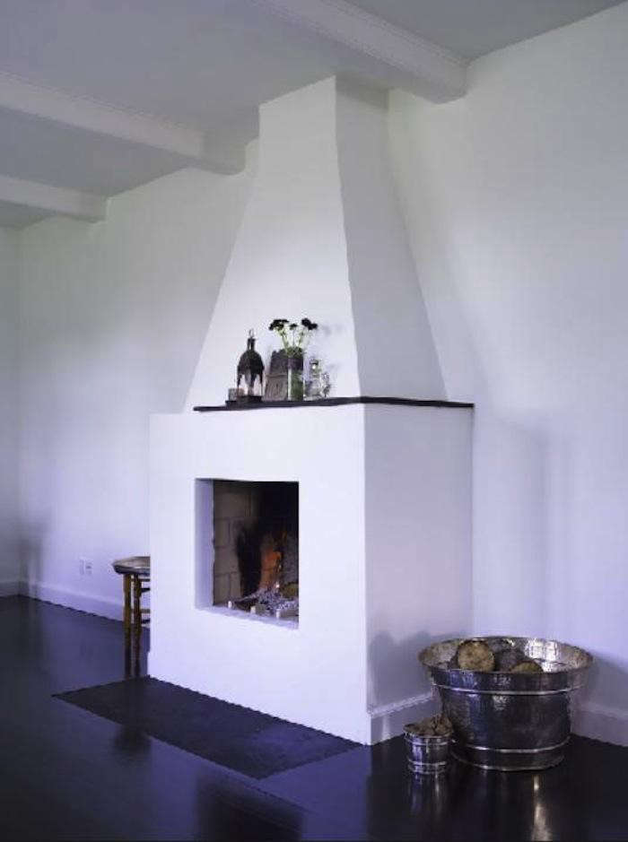 700_tine-k-fireplace-living-room-white-fireplace