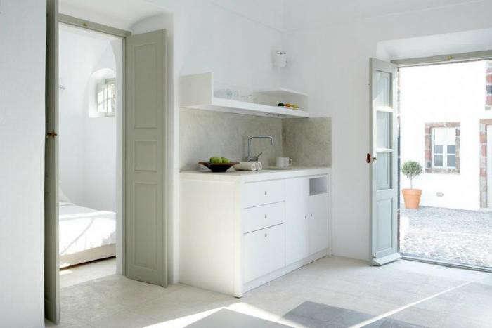 700_villa-fabrica-marble-kitchen