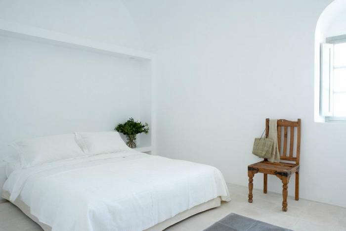 700_villa-fabrica-white-bed