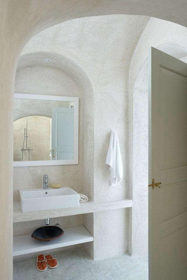 villa-fabrica-bath-simple-basin