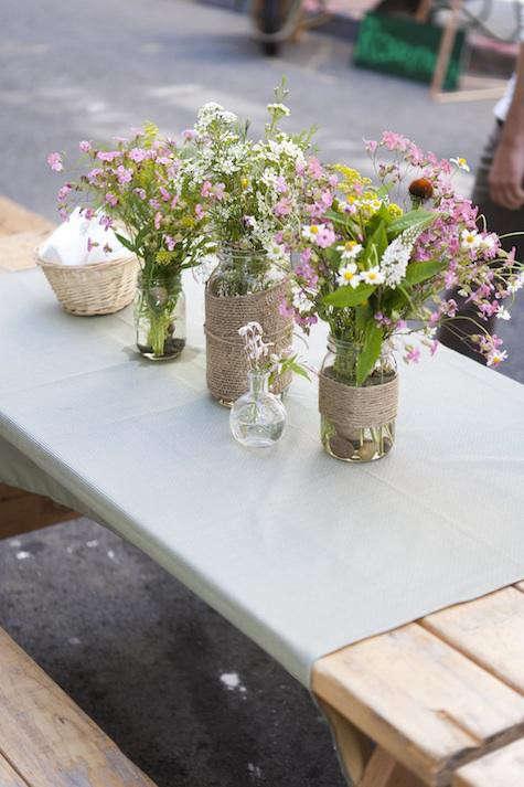 chez-panisse-picnic-flowers-1
