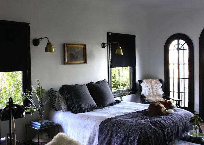 Design sleuth noirish la bedroom remodelista for Tomboy bedroom designs