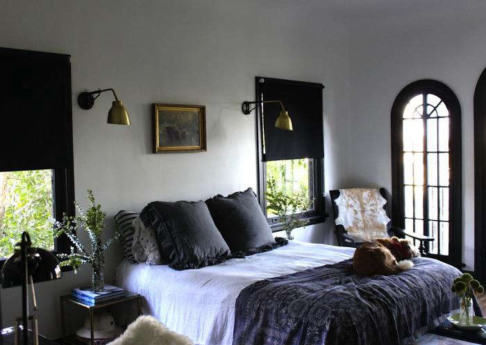 Design sleuth noirish la bedroom remodelista for Living room 101 atlantic ave boston