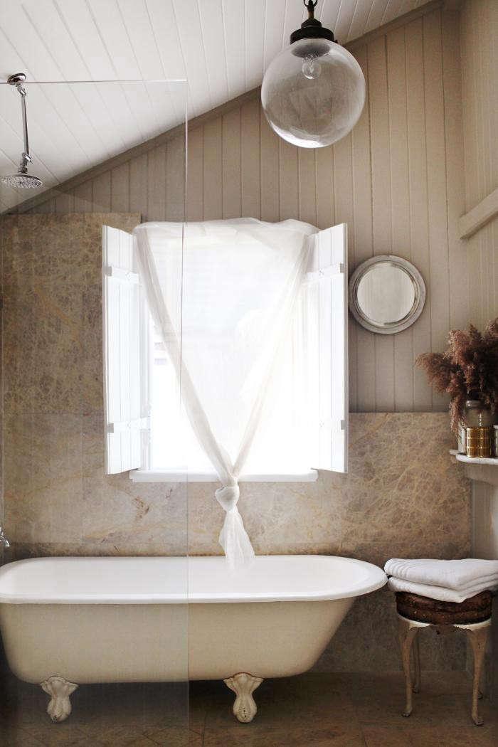 700_bathroom03