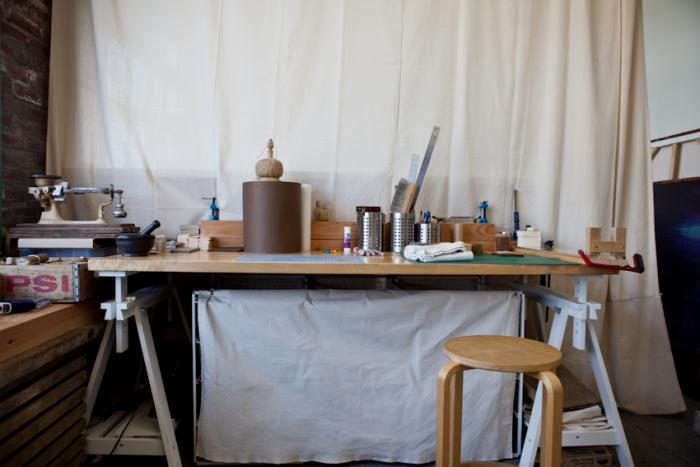 700_beam-and-anchor-diy-table