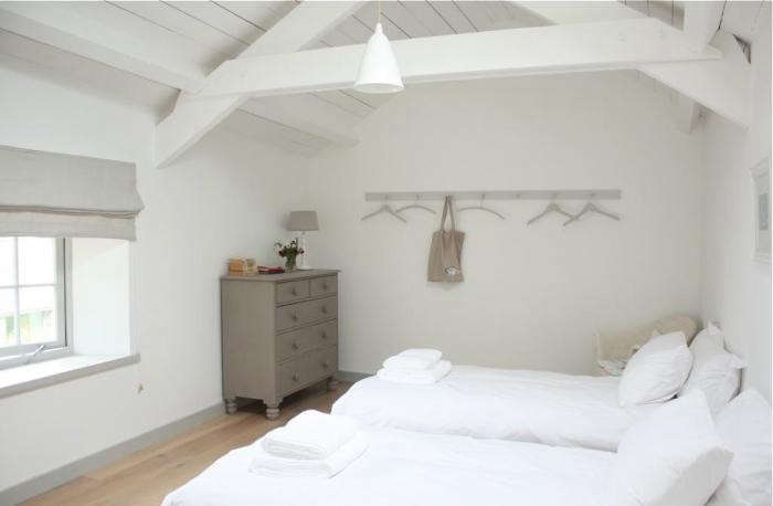 700_calfshed-twin-room
