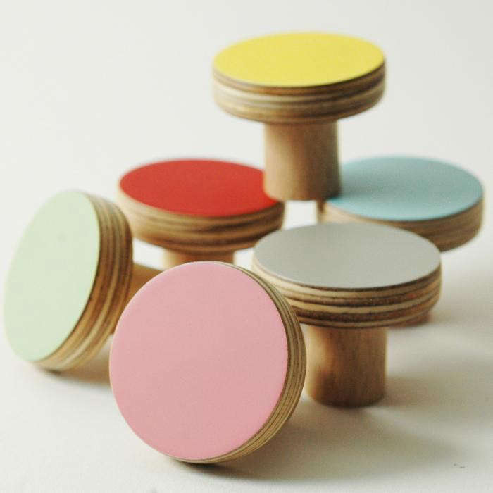 700_colored-knobs-10