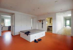 Min|Day-Sonoma-County-farmhouse-mudroom-orange-linoleum