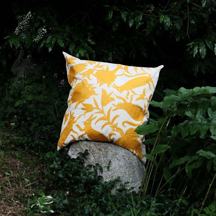 700_otomi-yellow-pillow