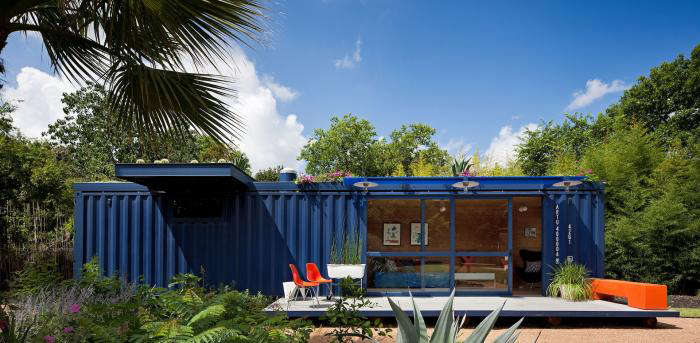 The Architect Is In: Container as Guest House by Poteet Architects