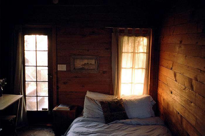 700_silverlake-rustic-bedroom