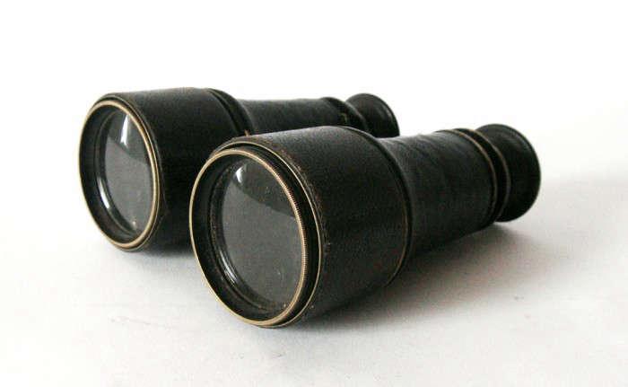 700_vintage-french-binoculars