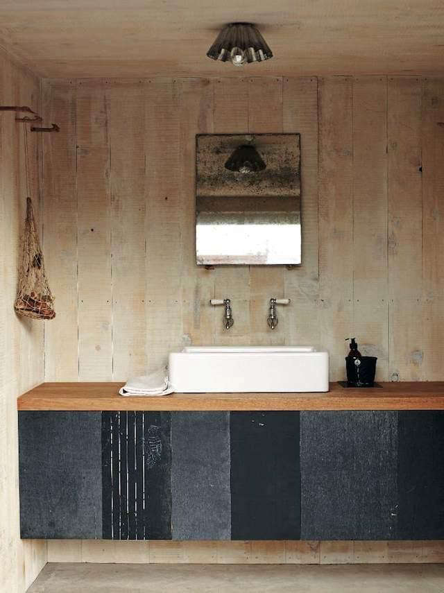 bailey-home-bath-wood-wall
