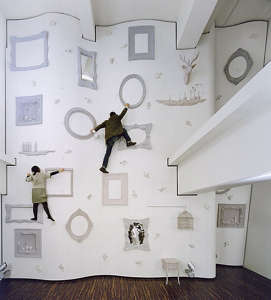 children-climbing-walls-Nendo