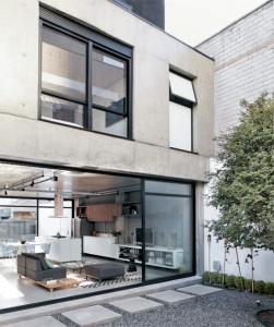 Philip-Scroback-reinforced-concrete-house-pavers-gravel