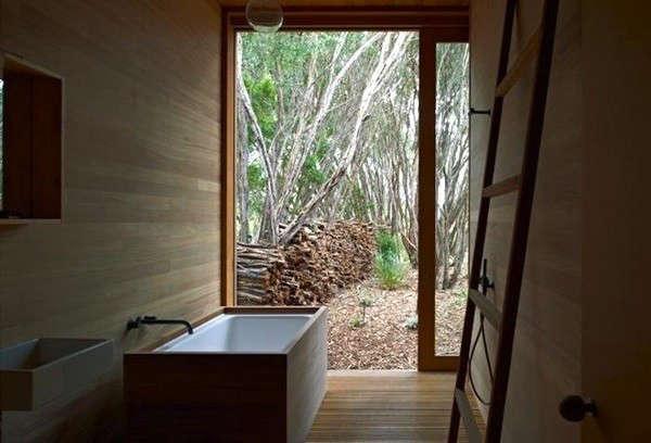 wood-camp-style-bath-15