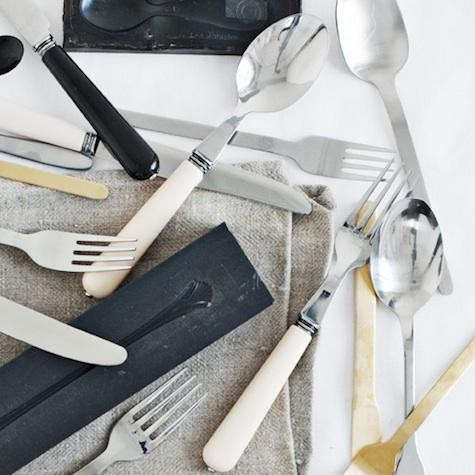 canvas-cutlery-white