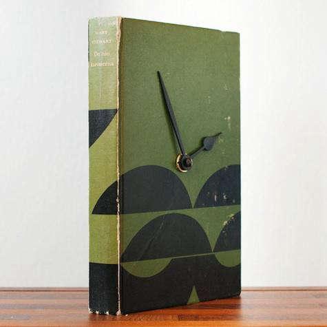 hilda-grahnat-book-clock