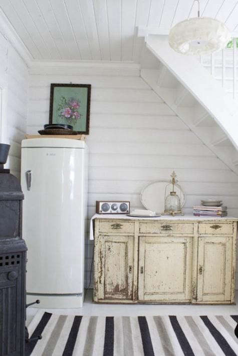 kitchens-under-stairs-pinterest