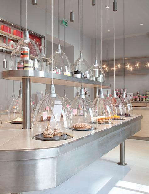 patisserie-des-reves-steel-counter-2