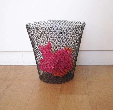 roost-wastebasket-pink
