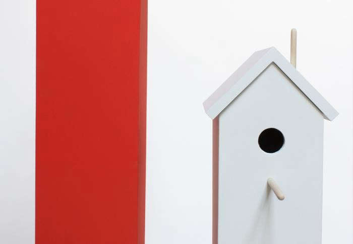 700_attic-birdhouse-white-with-red