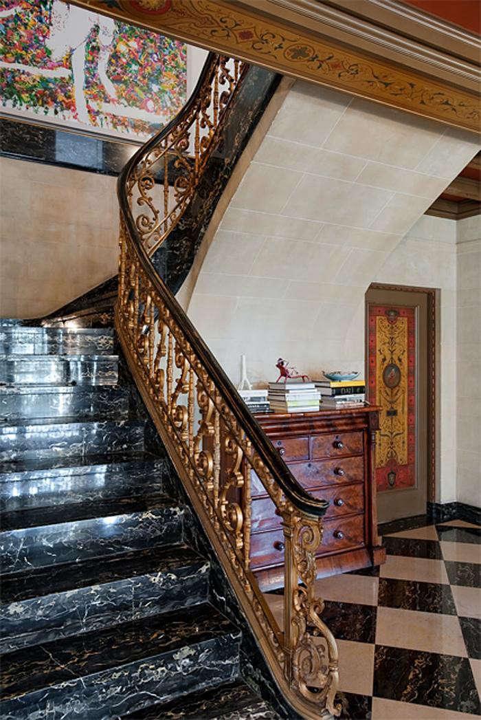 700_backstaircase4