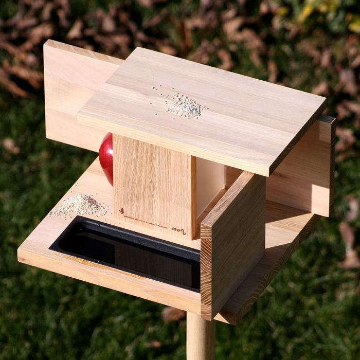 A birdhouse inspired by a modern masterpiece remodelista - Modernes vogelhaus ...