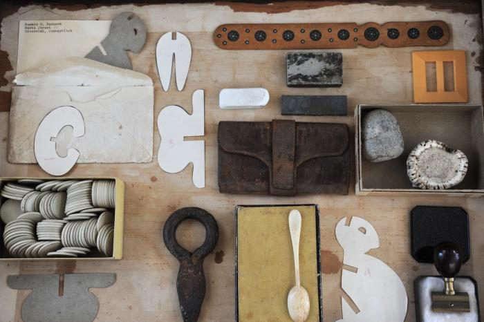 700_corey-daniels-gallery-drawer-installation