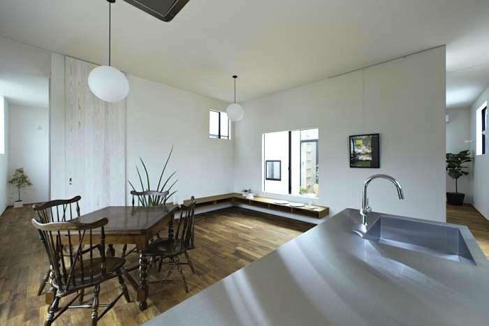 700_maebashi-kitchen-dining-antique-chairs