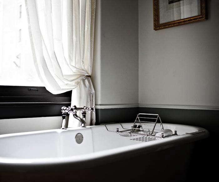 700_nomad-hotel-bathtub-detail-shot